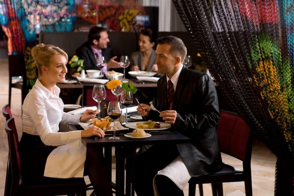 С 30 октября посетителей кафе и ресторанов ждет еще один запрет