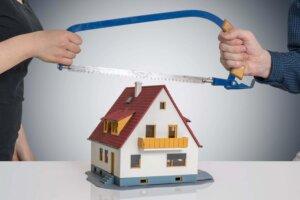 ВС РФ разбирался, является ли квартира, приобретенная до брака, но оформленная в собственность после, имуществом супругов